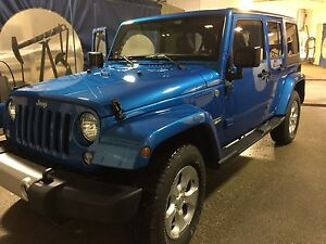 2014 Jeep Sahara unlimited LOW KMs