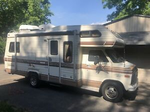 1985 Class C Chevy 30 Camper RV - REDUCED! Loaded !