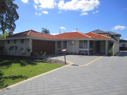 Awesome Kardinya Roomshare only $100 per week includes expenses Kardinya Melville Area Preview