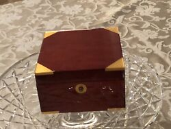 TIFFANY TRAVEL/desk CLOCK WOODEN CASE, 3 X 4 1/2 [*WOOD] EXCELLENT CONDITION
