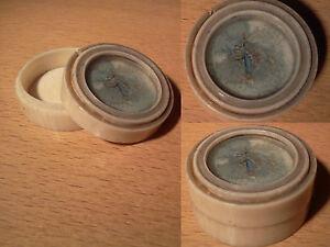 ancienne-boite-tournee-decor-medaillon-peint-fin-XIX-eme