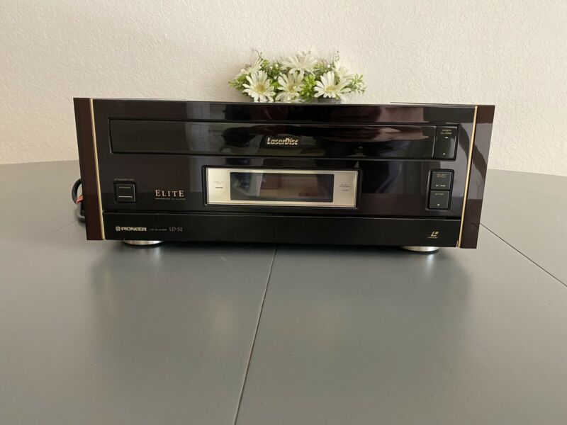 Pioneer LD-S2 Laserdisc Player Vintage W/ Remote. RARE!!!