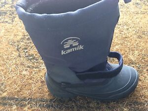 Boys Kamik winter boots size 3 youth