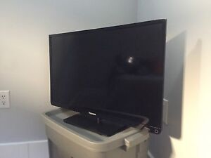 Toshiba 32 flat screen television