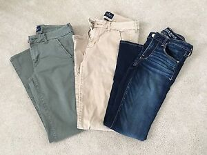 AMERICAN EAGLE SKINNY PANTS/JEANS-LIKE BRAND NEW!