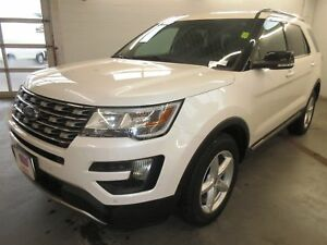2016 Ford Explorer XLT- 4x4! BACK-UP CAM! ALLOYS! HEATED SEATS!
