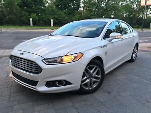 Ford Fusion SE-Fully Loaded-Camera-Navigation-Sunroof-Leather