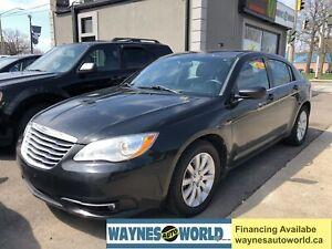 2014 Chrysler 200 Touring ***DRIVE LIKE NEW***