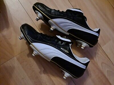 BRAND NEW ORIGINAL  PUMA KING FOOTBALL BOOTS SG SIZE UK 8 EU 42