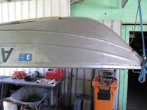 10.5 foot tinniy boat , all solid weld const, L.ic, plated,