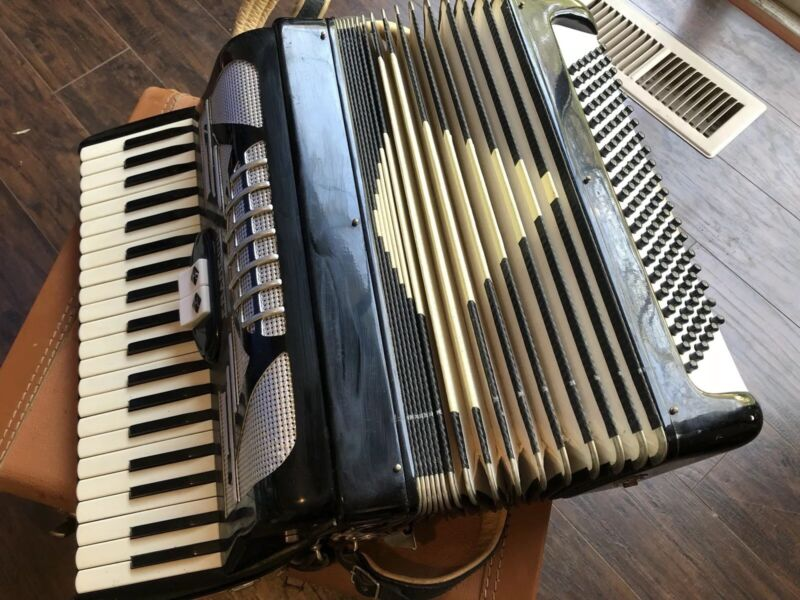 accordion Francini brand. Made in Italy