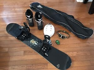 Complete Snowboard and Boots Set (Excellent Condition)