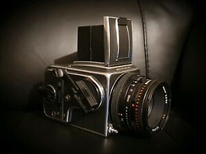 Hasselblad 500CM camera with 80mm zeiss planar CF lens great condition