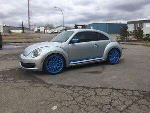 2012 Volkswagen Beetle Premier **Financing Available