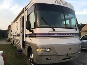 1998 Winnebago chieftain 36' diesel pusher