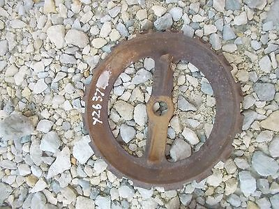 1 Used Y2637 Steel Cast Iron John Deere Planter Jd Seed Plate Y 2637