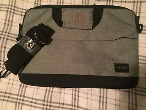 Brand New Laptop Carrying Case. 5$