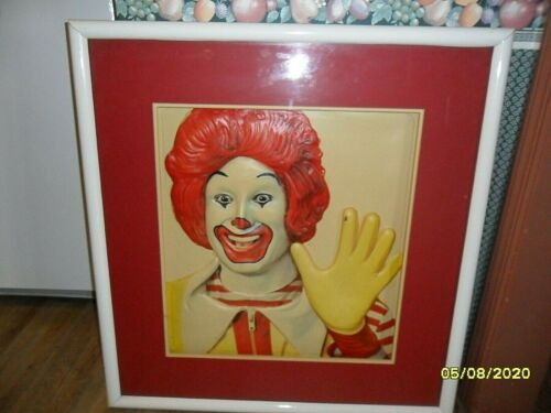 VINTAGE   3D PICTURE OF RONALD AND SHOLDERS  1960 OR 1970