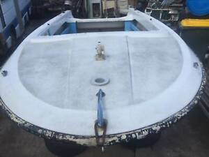 Fiberglass fishing boat hull only is solid good for project about 5.2m