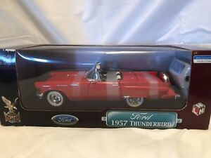 ROAD SIGNATURE - 1957 Ford Thunderbird - RED 1/18 SCALE