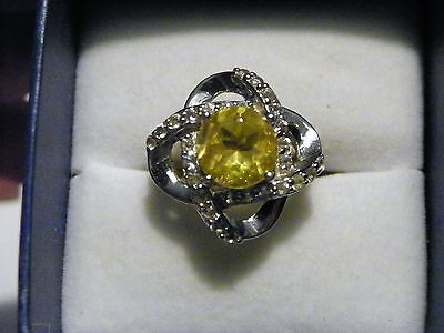 (Yellow Fluorite & White Topaz ring (3.90ct) in Platinum over Sterling size 6)