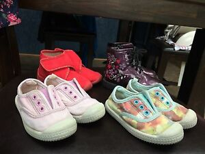 Girls size 6/7 shoes