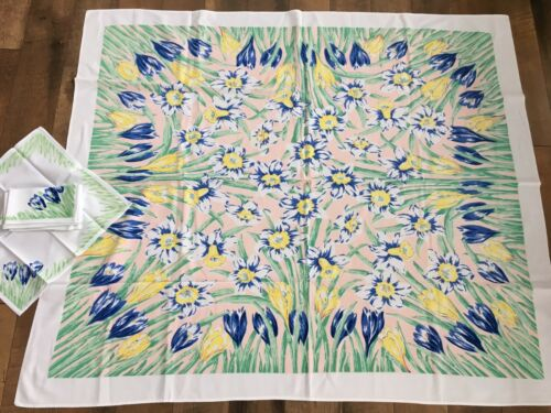 Vintage Tablecloth Fabric Spring Flowers Daffodil Crocus Easter 6 Napkins WOW!