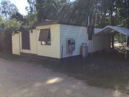 Fully equipped 2 bedroom cabin in Mathoura