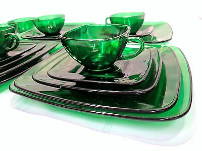 21 PC Anchor Hocking Forest Green Dinnerware Set  Charm Square 4 Dinner Plates