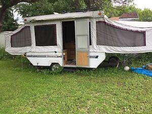1996 palomino 12' pop up tent  trailer
