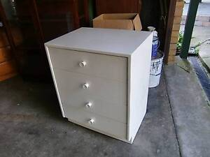 FOUR DRAWER WHITE CHEST OF DRAWERS Heidelberg Banyule Area Preview