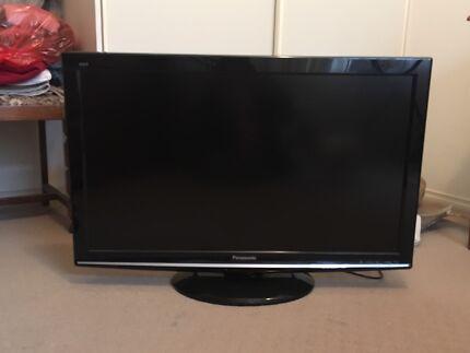 """Panasonic Viera 36"""" TV"""