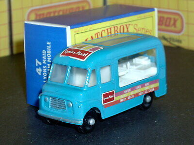 Matchbox Lesney Commer Ice Cream Canteen 47 b2 blue stripe SC16 VNM crafted box