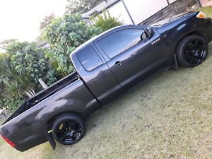 Lowered 2wd Toyota Hilux for swaps.