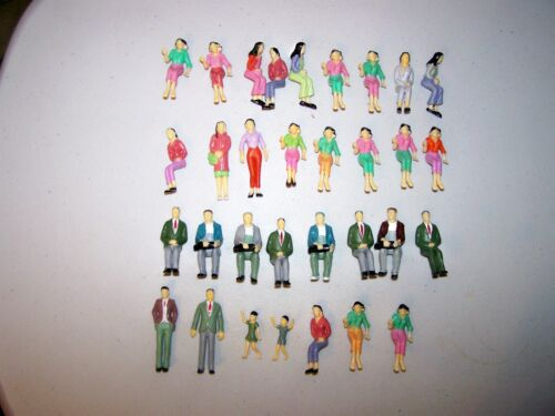 (095)   G  SCALE 1:25 LOT OF 32  PAINTED PEOPLE 18 DIFFERENT.ALL SHOWN IN PHOTO