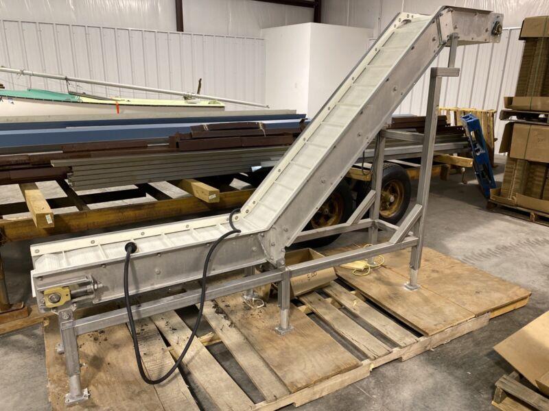 """Stainless Steel Elevator Conveyor, Cleated Belt, 208v-230v, 96""""x72"""", Var Speed"""