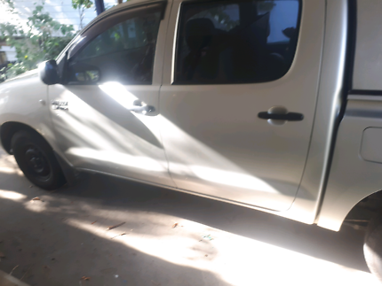 2006  Toyota Hilux workmate manual