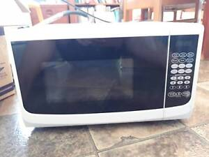Microwave for sale Bayview Heights Cairns City Preview