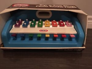 Vintage little tikes tap a tune piano