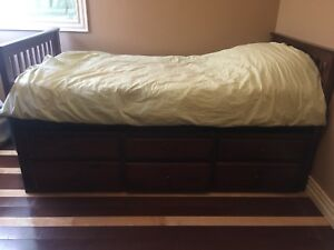 Twin Trundle Captain Bed