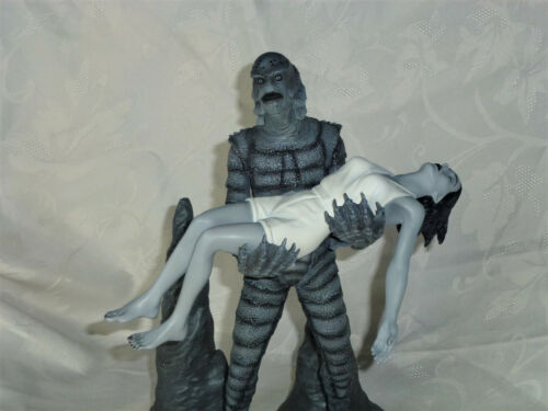 Universal Monsters Sideshow Creature From The Black Lagoon SSE Diorama