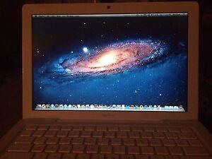 "13"" Apple MacBook (Microsoft offline included)"