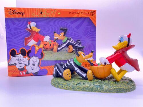 Dept 56 DISNEY VILLAGE PUMPKINTOWN Donald Duck & Pluto
