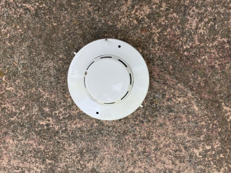 Simplex 2098-9201 Photoelectric Smoke Detector Head Only