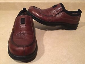 Women's Clarks Leather Shoes Size 8