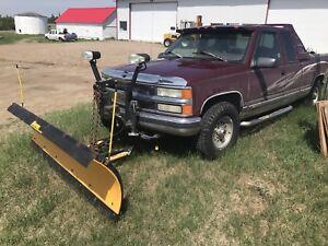 1996 Chev 1500 4X4 Plow Truck