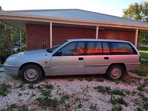 Holden vs comodoe wagon Lewiston Mallala Area Preview