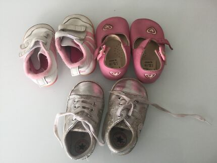 Baby girls shoes (first walker)