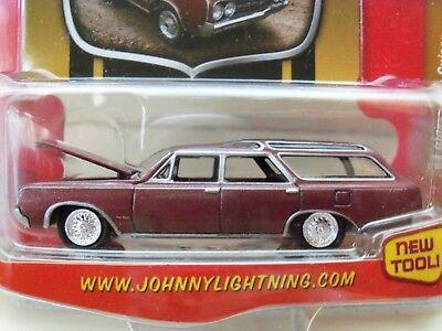 1964 Oldsmobile Vista Cruiser - JOHNNY LIGHTNING - CLASSIC GOLD - 1964 OLDSMOBILE VISTA CRUISER STATION WAGON
