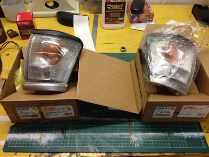 Hilux front indicator lights left and Right